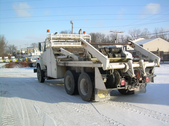 2 Hydraulic Reel Loaders